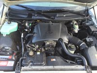 Picture of 2001 Lincoln Town Car Signature, engine