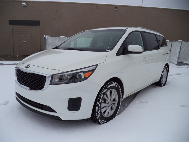 Picture of 2015 Kia Sedona LX, exterior, gallery_worthy