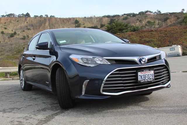 2017 Toyota Avalon Hybrid Review >> 2016 Toyota Avalon Overview Cargurus