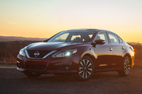 2016 Nissan Altima Picture Gallery