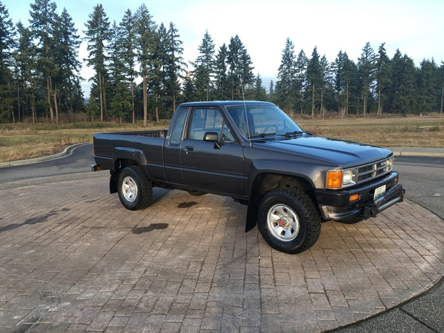 Picture of 1988 Toyota Pickup 2 Dr SR5 Extended Cab SB, exterior, gallery_worthy