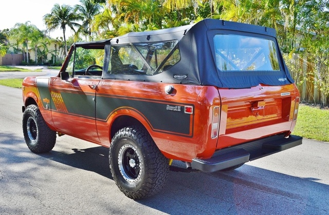 Picture of 1973 International Harvester Scout