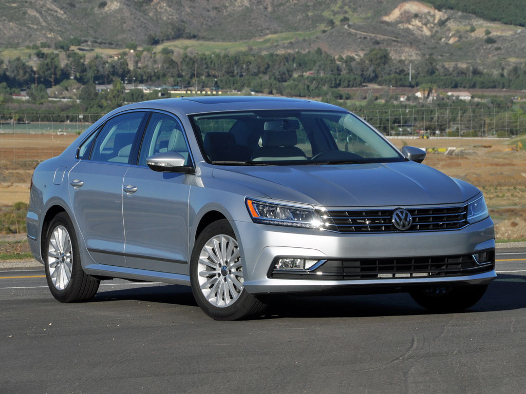 2016 volkswagen passat overview cargurus. Black Bedroom Furniture Sets. Home Design Ideas
