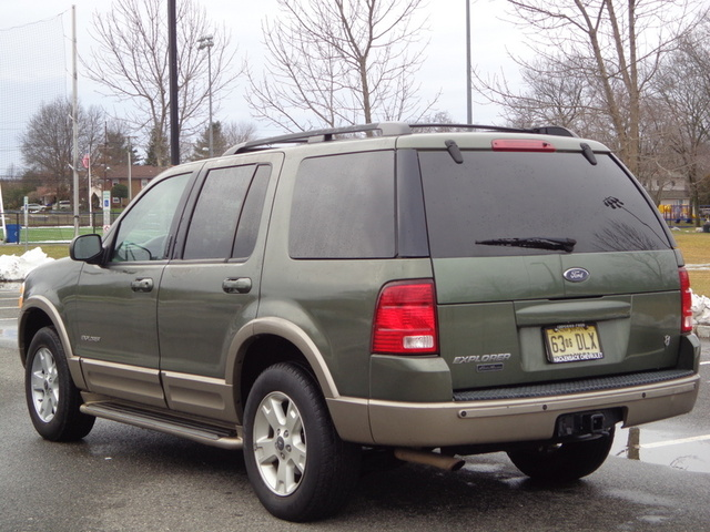 picture of 2004 ford explorer eddie bauer v8 exterior. Cars Review. Best American Auto & Cars Review