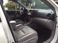 Picture of 2013 Toyota Highlander Hybrid Limited, interior