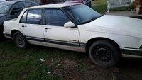 1990 Pontiac Bonneville Overview