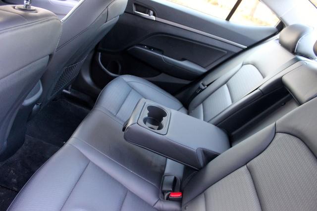 2017 Hyundai Elantra interior, interior, gallery_worthy