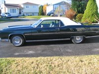 1972 Lincoln Continental, Side view
