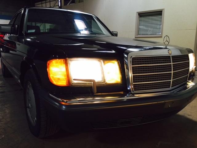 1990 Mercedes-Benz 560-Class