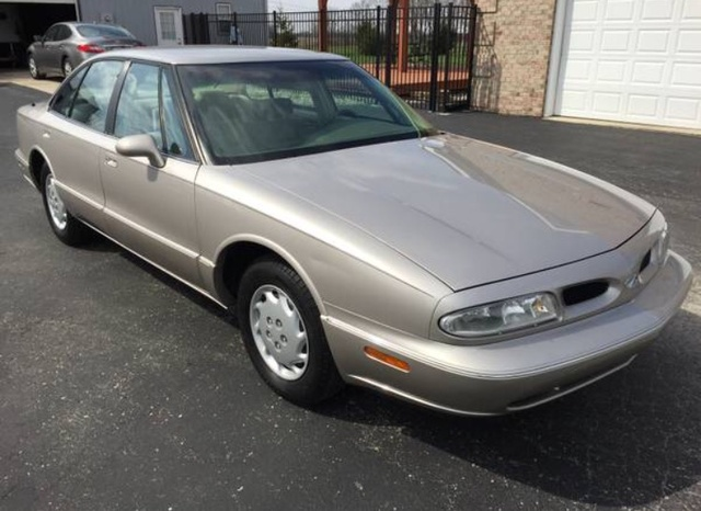 Picture of 1997 Oldsmobile Eighty-Eight 4 Dr LS Sedan