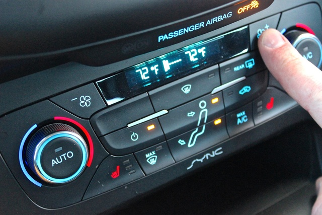 Interior of the 2016 Ford Focus, interior, gallery_worthy