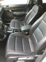 Picture of 2010 Volkswagen Jetta SportWagen SE, interior