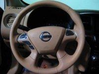 Picture of 2013 Nissan Pathfinder SL 4WD, interior