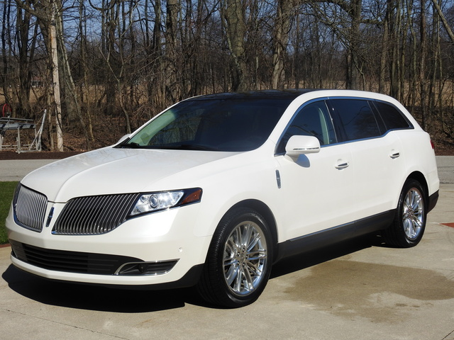Picture of 2013 Lincoln MKT EcoBoost AWD