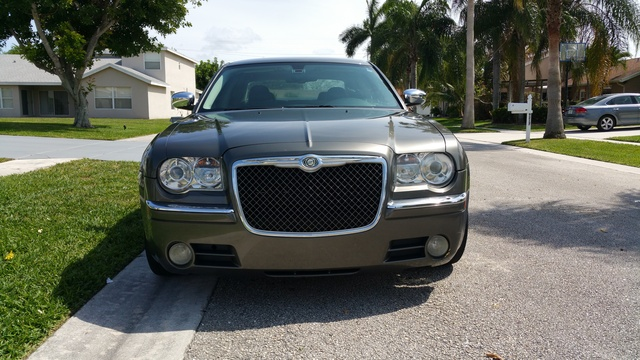 2009 chrysler 300 overview review cargurus. Black Bedroom Furniture Sets. Home Design Ideas