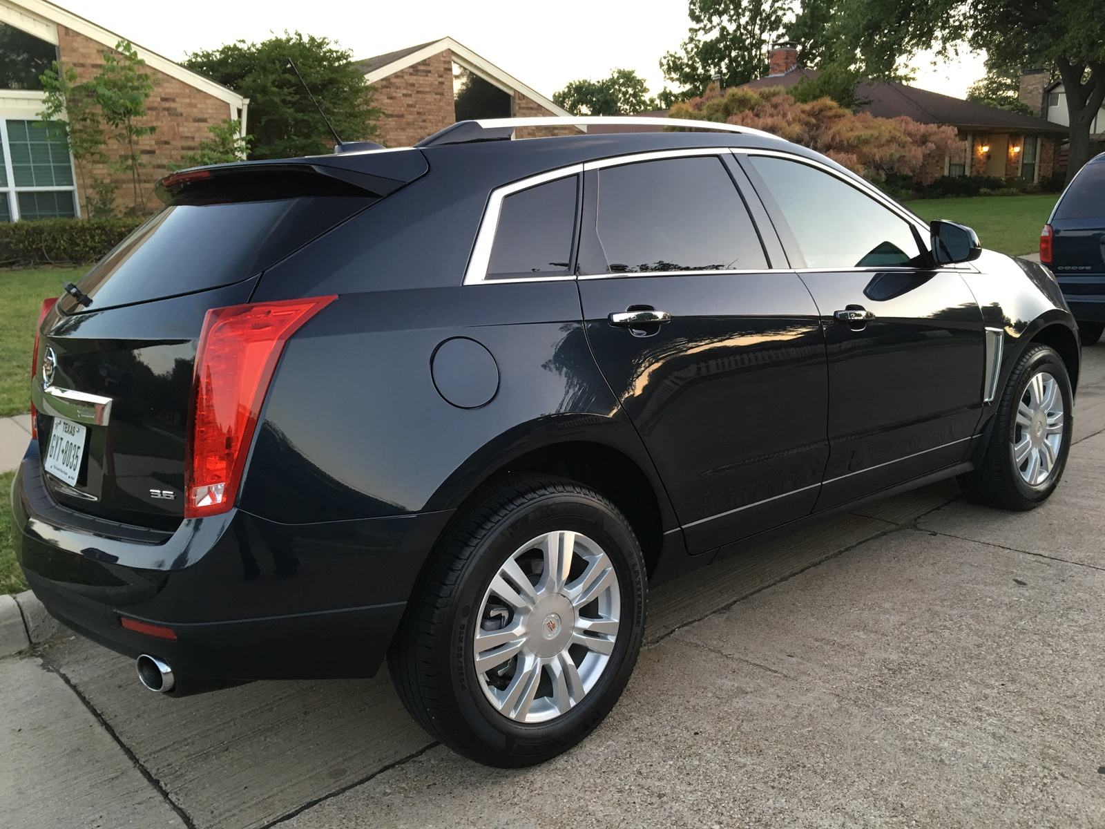 Picture of 2016 Cadillac SRX Luxury