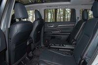 Picture of 2016 Toyota Highlander Hybrid, interior