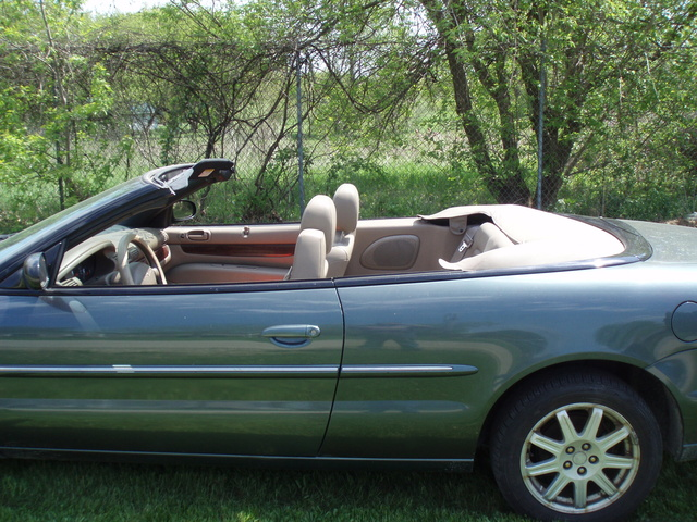 2002 chrysler sebring pictures cargurus. Black Bedroom Furniture Sets. Home Design Ideas