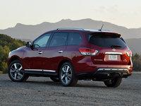 2016 Nissan Pathfinder Platinum in Cayenne Red
