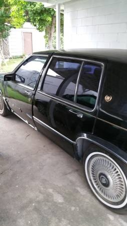 Picture of 1990 Cadillac Seville Base