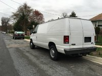 2004 Ford E-350 Overview