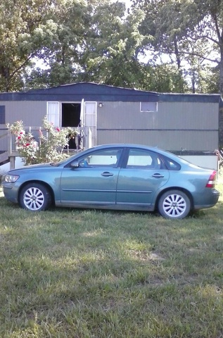 2005 volvo s40 overview review cargurus. Black Bedroom Furniture Sets. Home Design Ideas