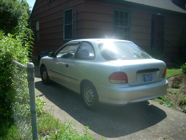Picture of 1999 Hyundai Accent 2 Dr L Hatchback
