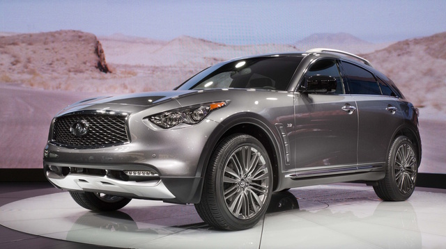 2017 INFINITI QX70, Front-quarter view., exterior, manufacturer, gallery_worthy