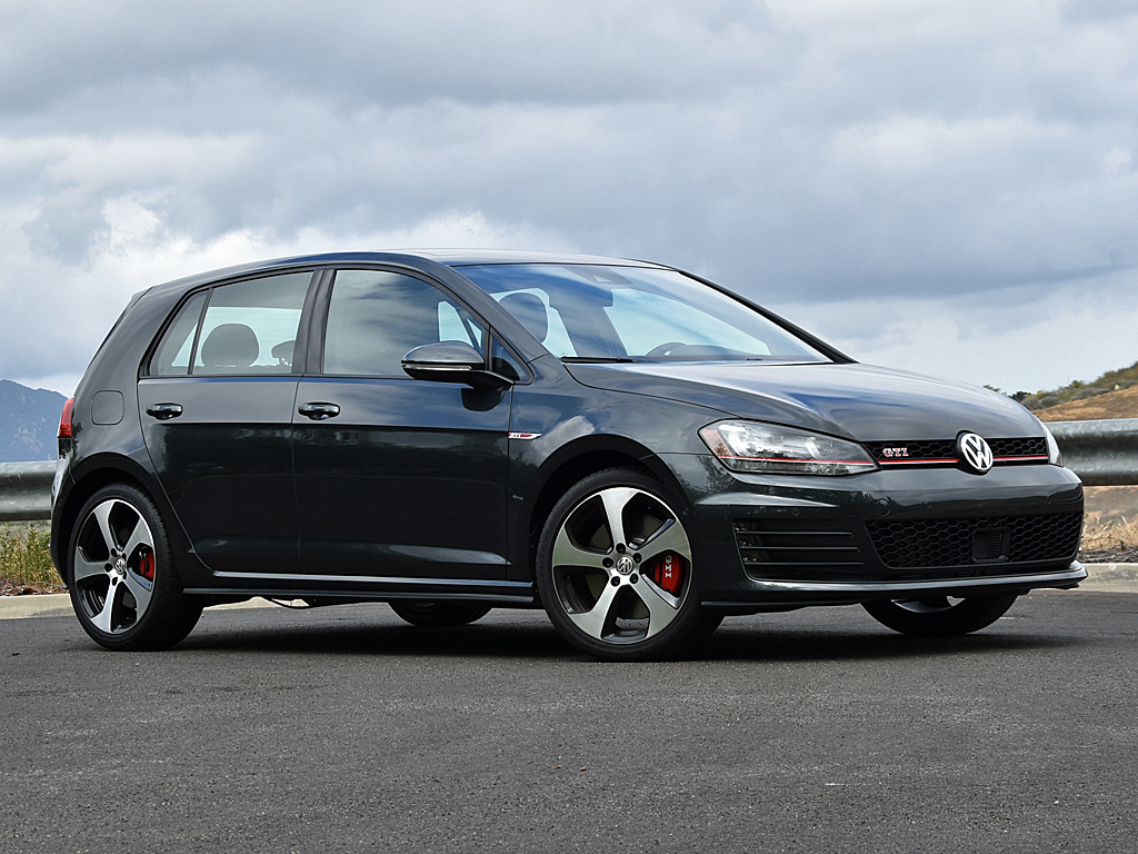 2016 Volkswagen Golf GTI in Carbon Steel Metallic