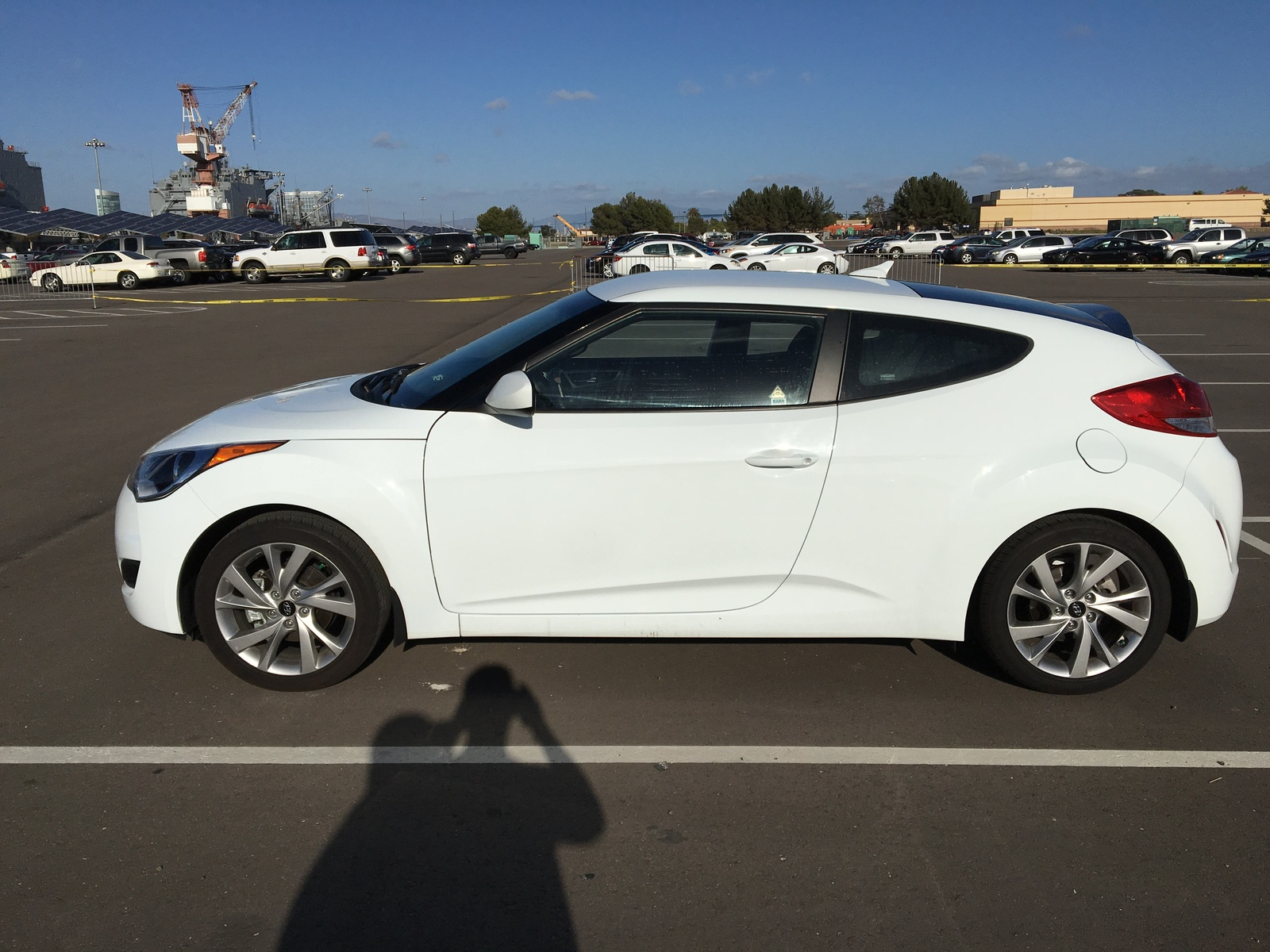 Picture of 2016 Hyundai Veloster Base