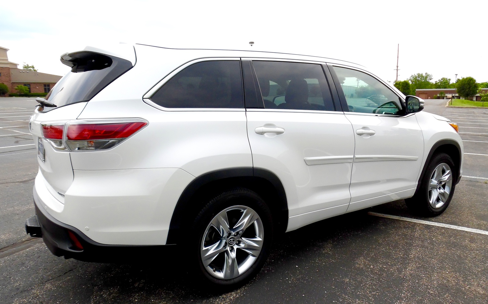 Dallas Toyota Dealers >> 2016 Toyota Highlander for Sale in your area - CarGurus