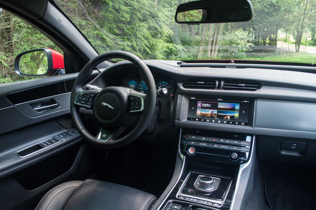 Picture Of 2017 Jaguar XF 35t R Sport AWD, Interior, Gallery_worthy