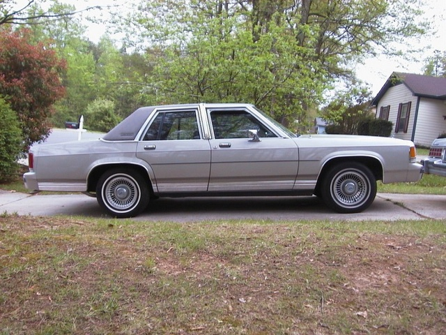 Picture of 1991 Ford LTD Crown Victoria 4 Dr LX Sedan