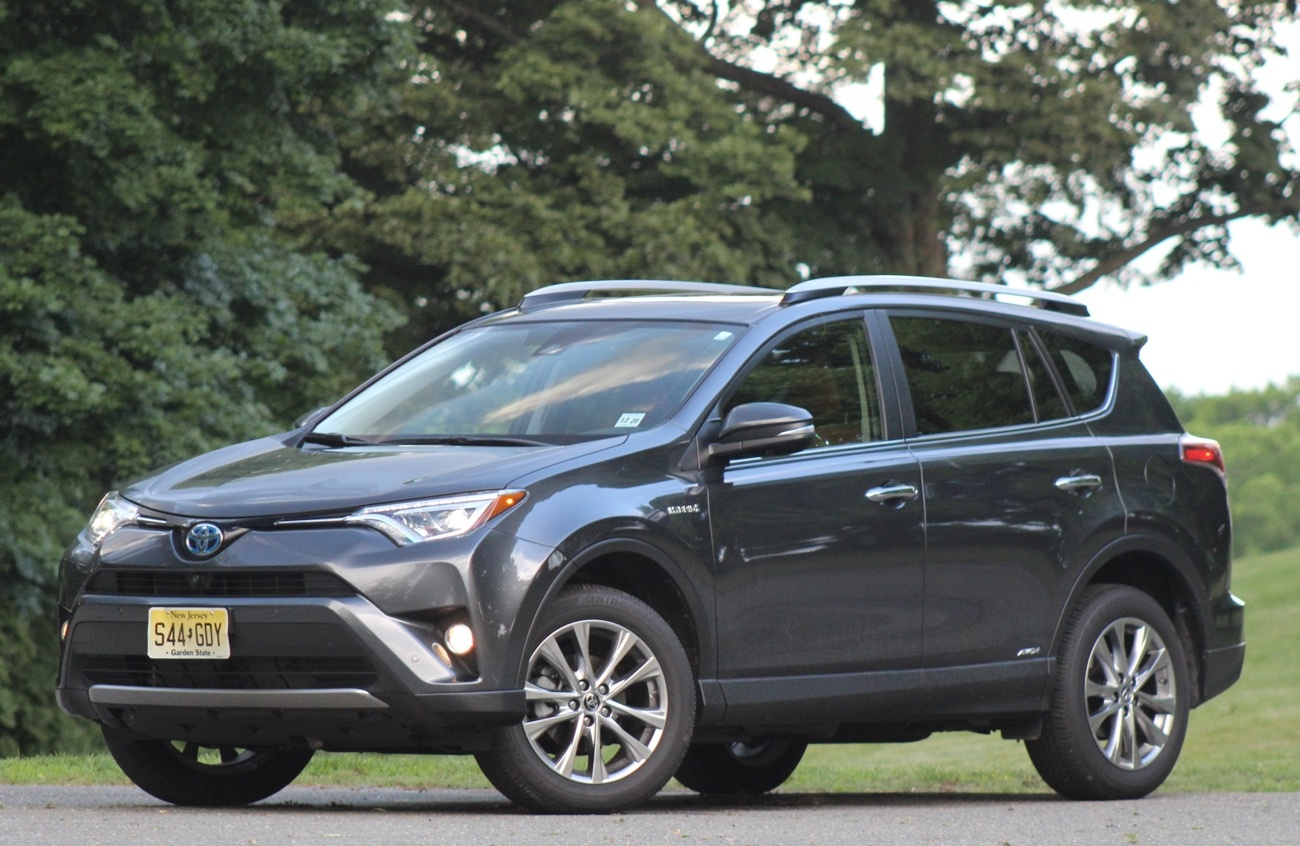 Exterior of the 2016 Toyota RAV4 Hybrid