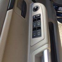 Picture of 2006 Mitsubishi Raider Duro Cross V6 4dr Double Cab 4WD, interior