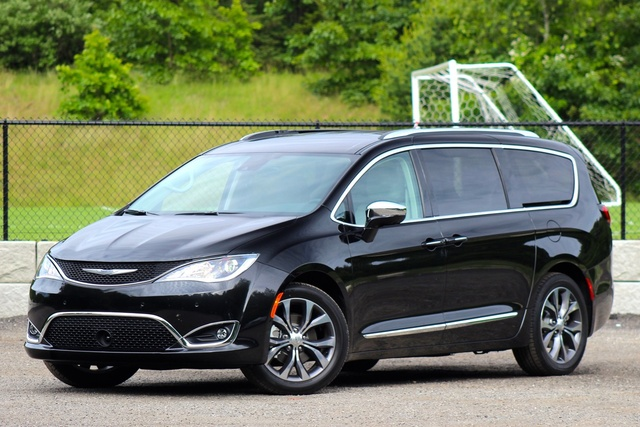 Exterior of the 2016 Chrysler Pacifica