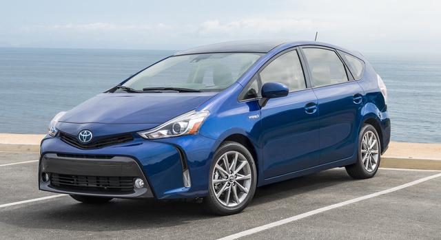 2017 Toyota Prius v, Front-quarter view., exterior, manufacturer, gallery_worthy