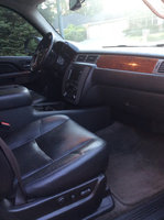 Picture of 2010 GMC Yukon XL 1500 SLT, interior