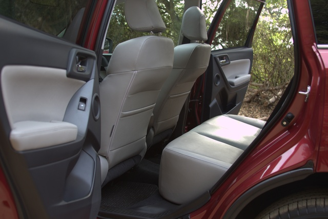 Picture of 2016 Subaru Forester, interior, gallery_worthy