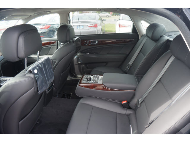 2016 hyundai equus for sale in your area cargurus. Black Bedroom Furniture Sets. Home Design Ideas
