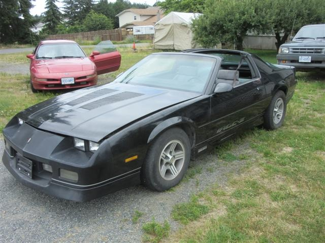 chevrolet camaro questions how much is a 1985 iroc z worth with 110 miles on it cargurus. Black Bedroom Furniture Sets. Home Design Ideas
