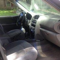 Picture of 2002 Hyundai Santa Fe GL, interior