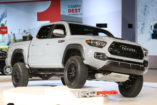 2017 Toyota Tacoma, Front-quarter view, exterior, manufacturer, gallery_worthy