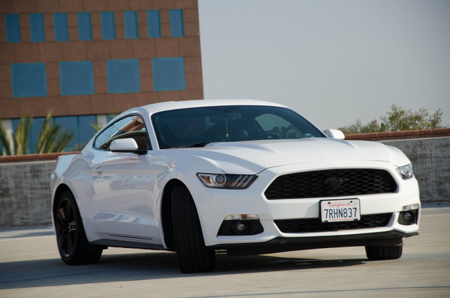 2015 ford mustang pictures cargurus. Black Bedroom Furniture Sets. Home Design Ideas