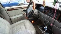 Picture of 2001 Lincoln Town Car Signature, interior
