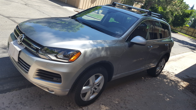 Picture of 2011 Volkswagen Touareg Hybrid