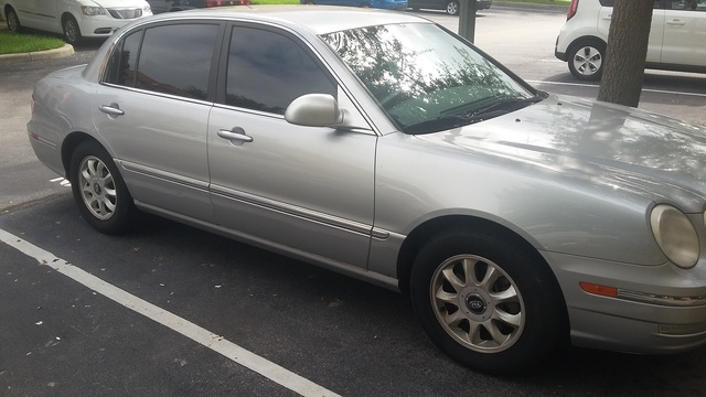 Picture of 2004 Kia Amanti FWD