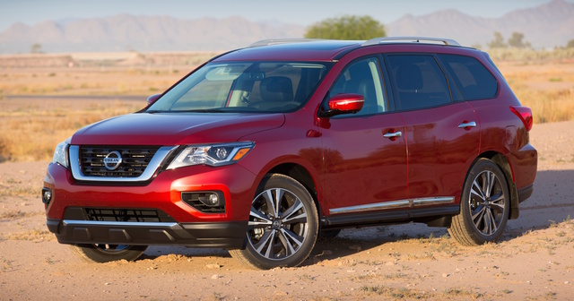 2017 Nissan Pathfinder, Front-quarter view., gallery_worthy