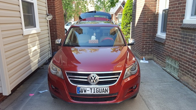 Picture of 2011 Volkswagen Tiguan