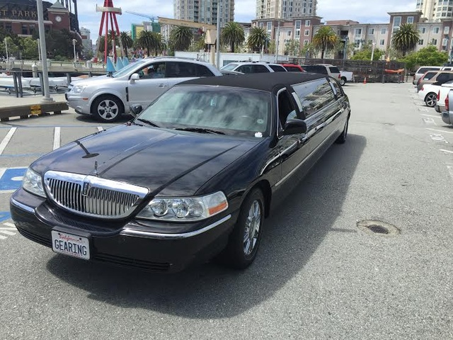 Picture of 2007 Lincoln Town Car Designer Series